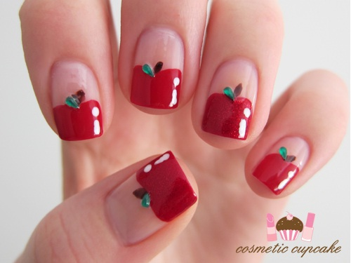 Nails with Apple Print