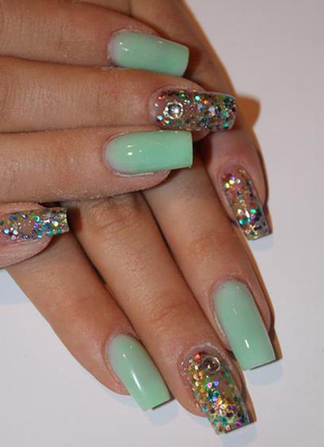 Pale Green Nails