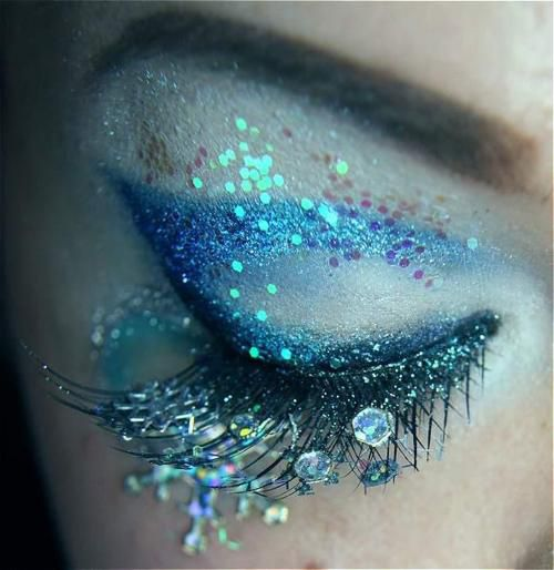 Shimmer Makeup Ideas: Mermaid Eyes