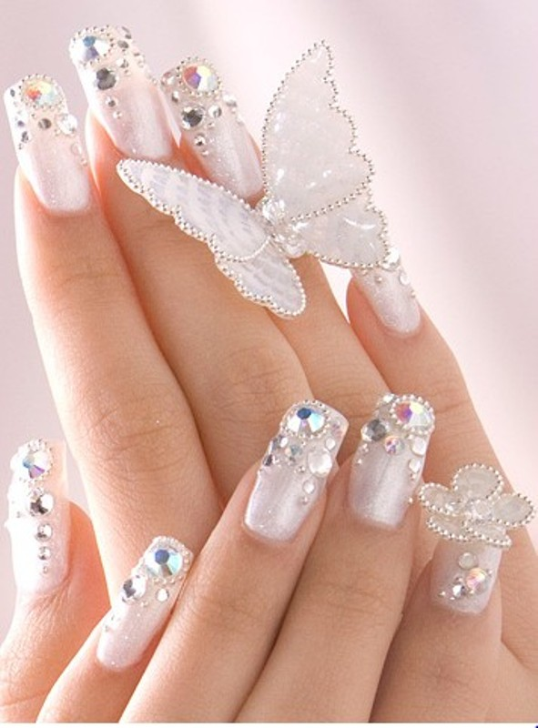 15 elegant nail arts to complete your gorgeous look pretty designs white nails prinsesfo Choice Image