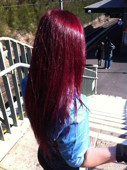 Best Hairstyles for Red Hair: Straight Layered Haircut