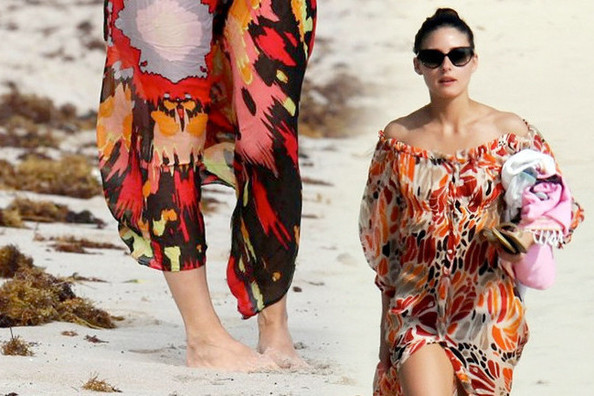How To Wear A Sarong On The Sunny Beach Pretty Designs