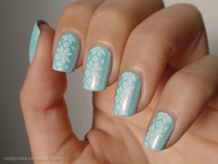 Floral Mint Nails
