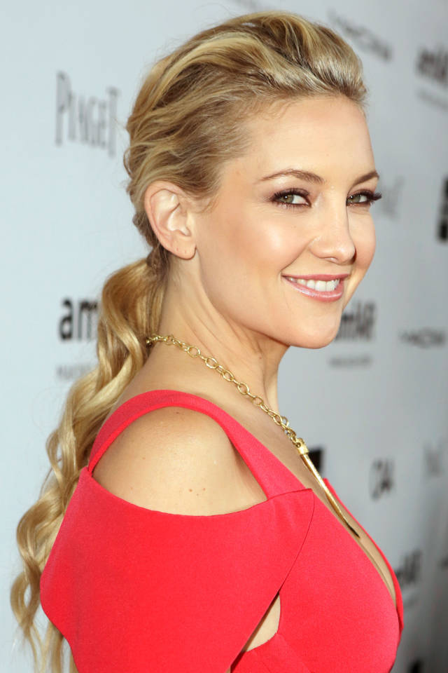 Hit the Trend with Ponytails: Wavy Ponytail