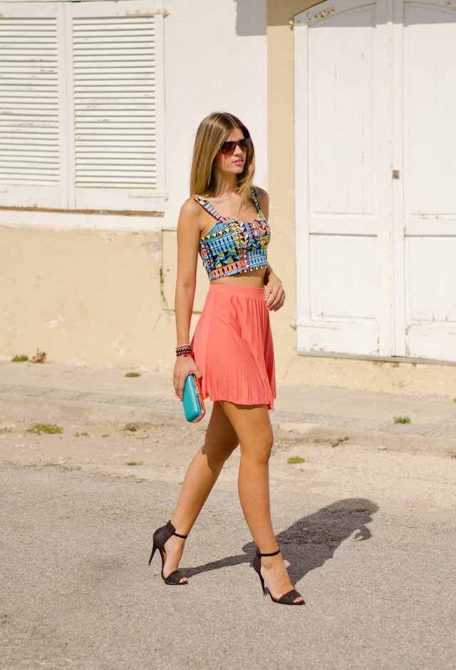 Hottest Crop Tops for Trendy Spring/ Summer Looks - Pretty ...