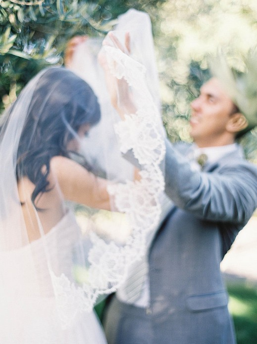 10 Ways To Make Your Perfect Wedding Dress Photos Pretty