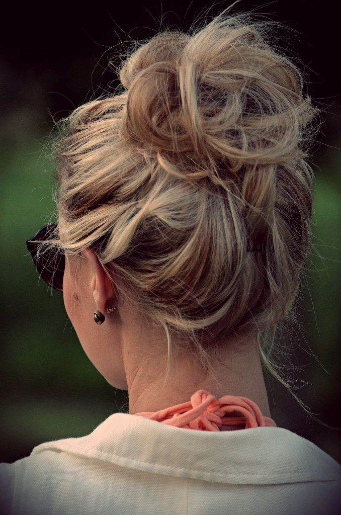 Loose Bun Hair Designs for Your Holiday