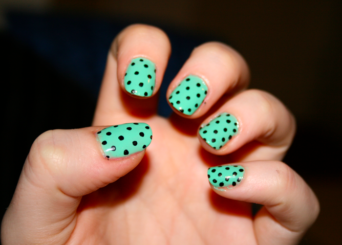 Mint Nails with Polka dots