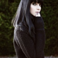 Pretty Hairstyles for Black Hair: Textured Hair with Blunt Bangs