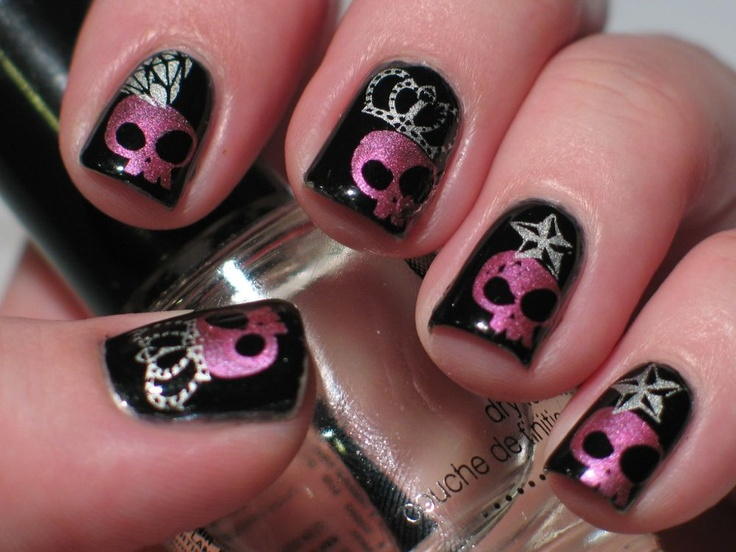 20 Skull Nail Designs to Rock the Season - Pretty Designs