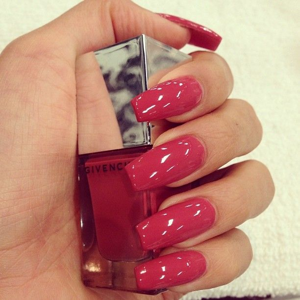 17 Sexy Red Nail Designs For The Season - Pretty Designs