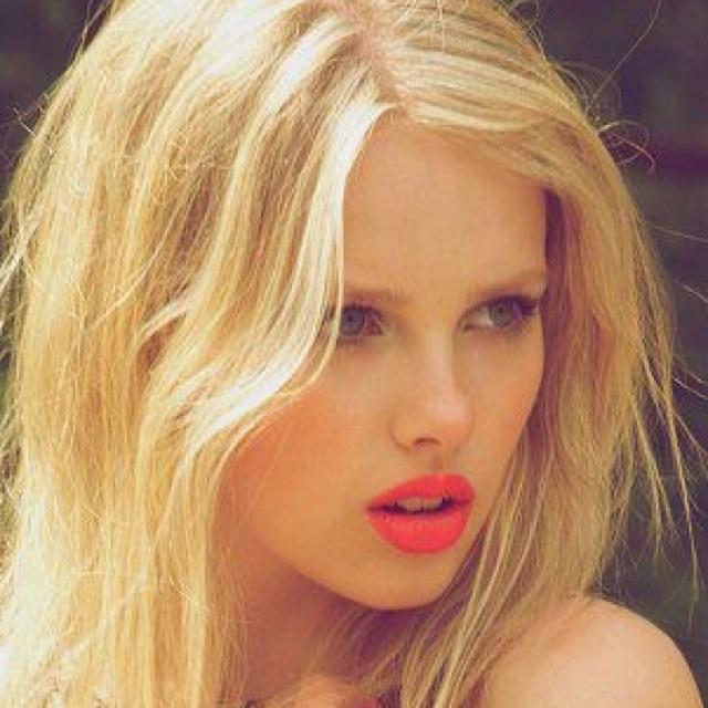 Orange Eye Makeup Ideas: Natural Look