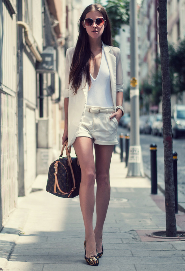 All White Combination Ideas for Stylish Spring Looks: Shorts