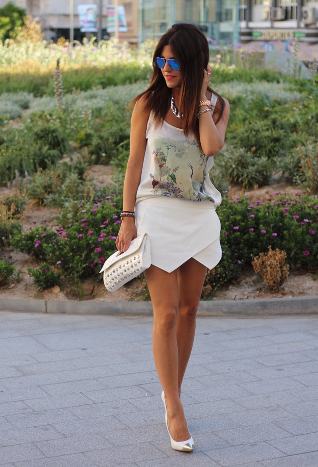 All White Combination Ideas for Stylish Spring Looks: Trendy Skort