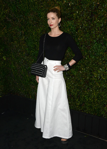 Annabelle Wallis Long Skirt/Getty Images