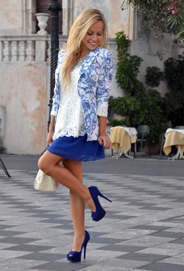 Blue Floral Blazer Outfit Idea
