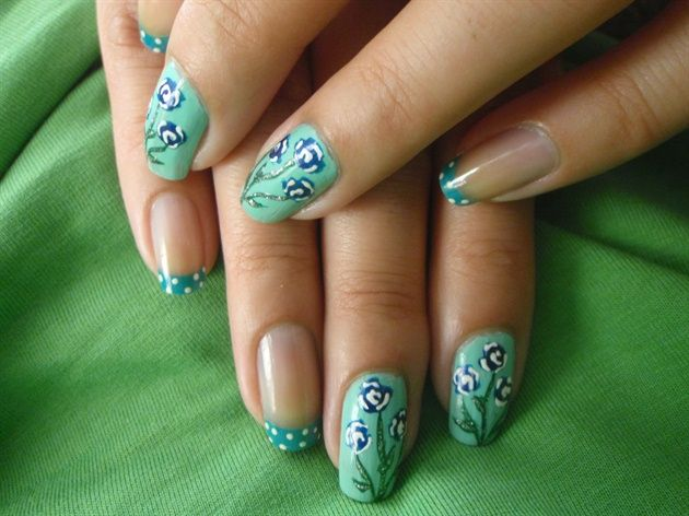Blue Flower Nails