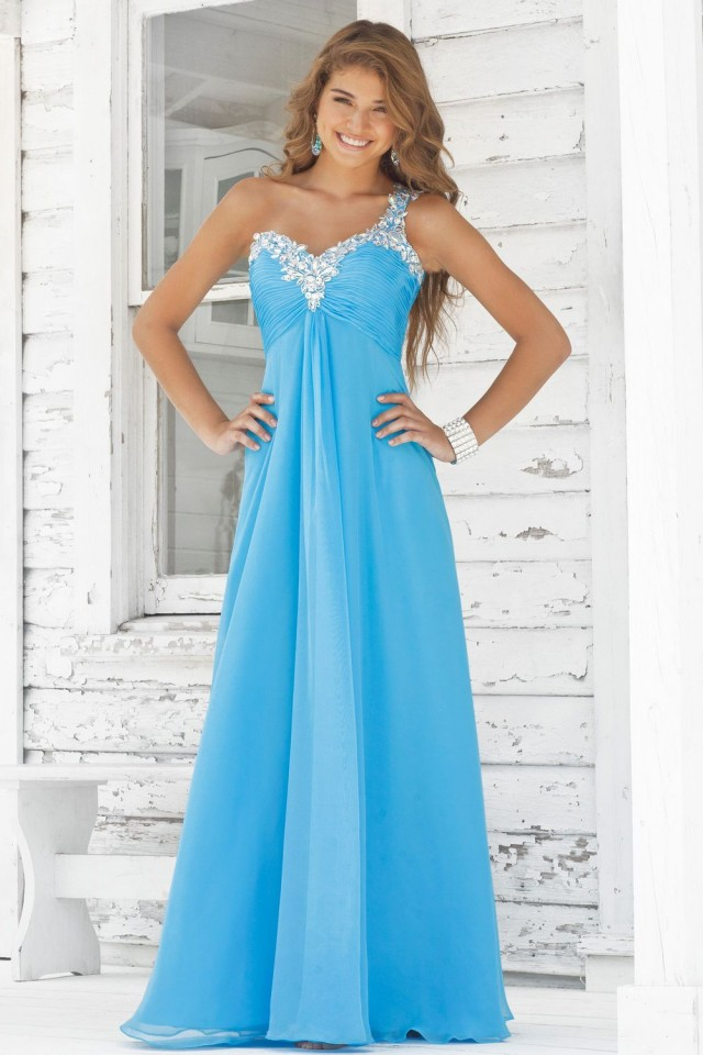 15 Baby Blue Evening Gowns for All Women