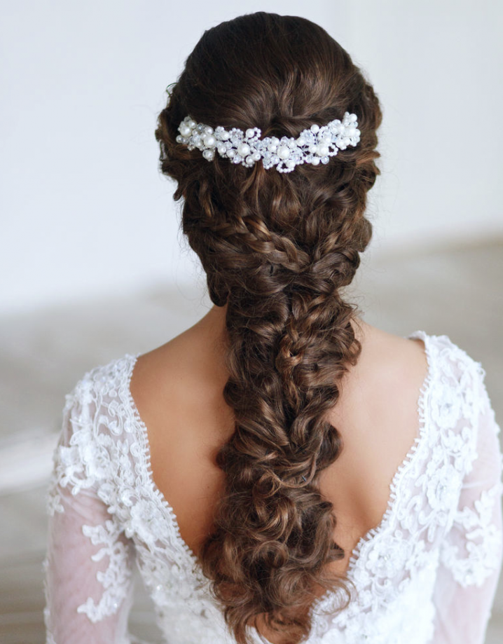 22 glamorous wedding hairstyles for women pretty designs braided wedding hairstyle junglespirit Image collections