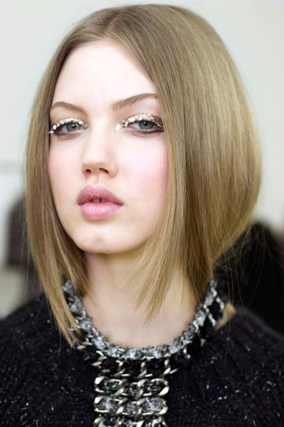 Center Parted Straight Hairstyle Trend