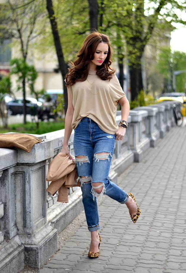 Cotton Blouse Outfit with Jeans