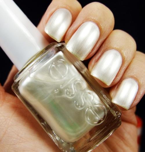 Crème White Nails
