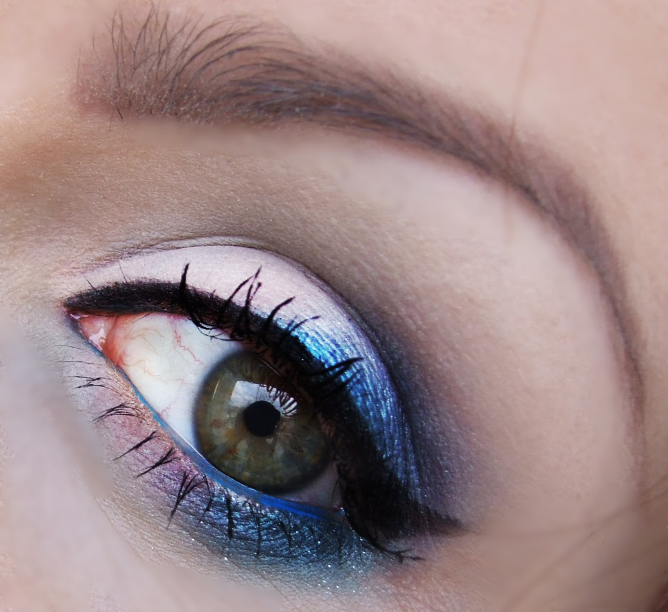 Colorful Eye Makeup Ideas for Spring - Pretty Designs