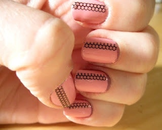 Cute Fishnet Nails