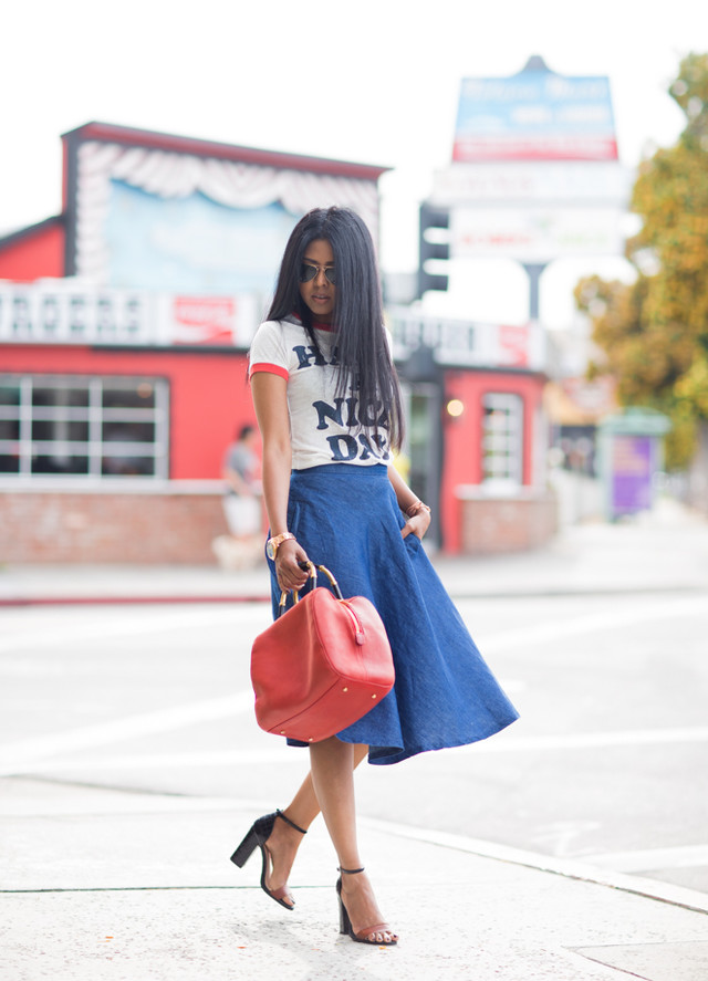 Dark Blue Midi Skirt Outfit with a T Shirt