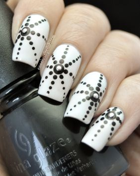 Dotting Nails