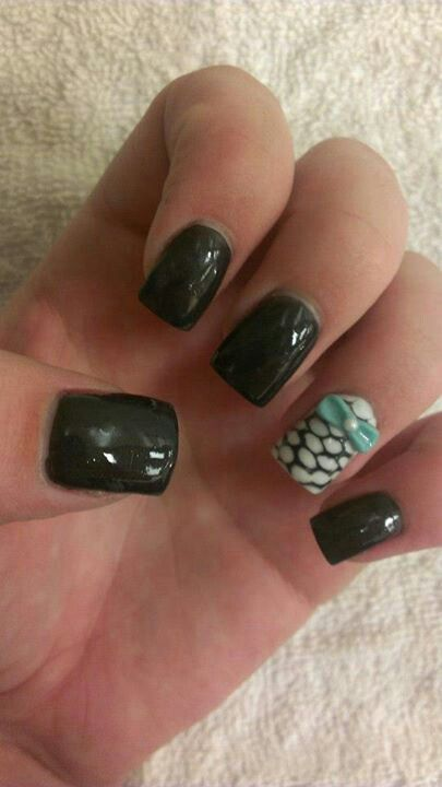 Fishnet Nails with Bow