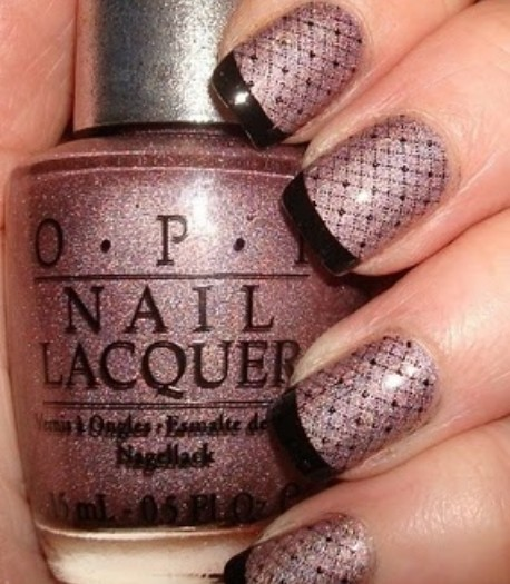 Fishnet Nails with Glitter