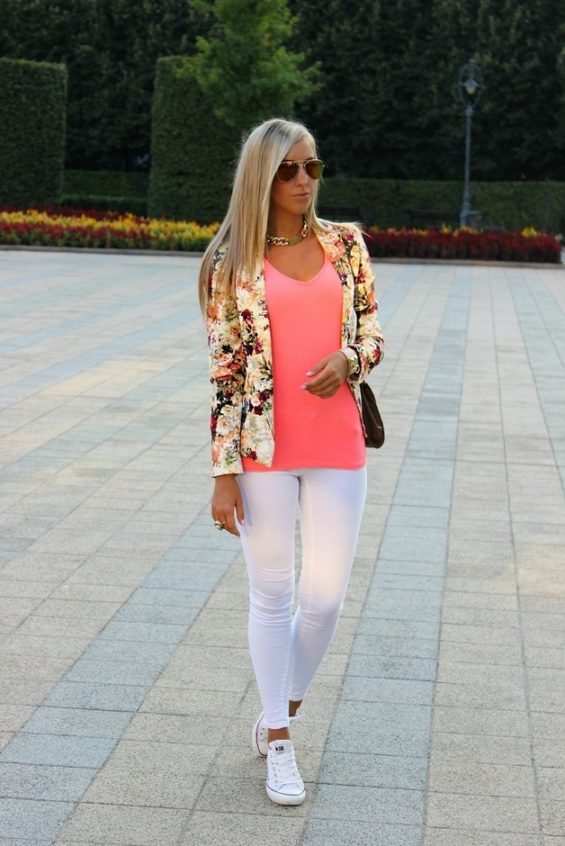 Floral Blazer Outfit for Work
