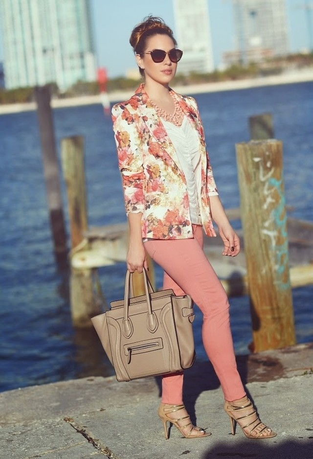 Floral Blazer Outfit in Baby Pink