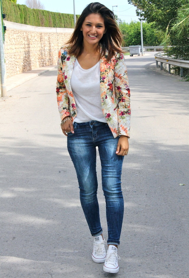 Floral Blazer Outfit with Sneakers
