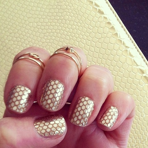 Gold Fishnet Nails
