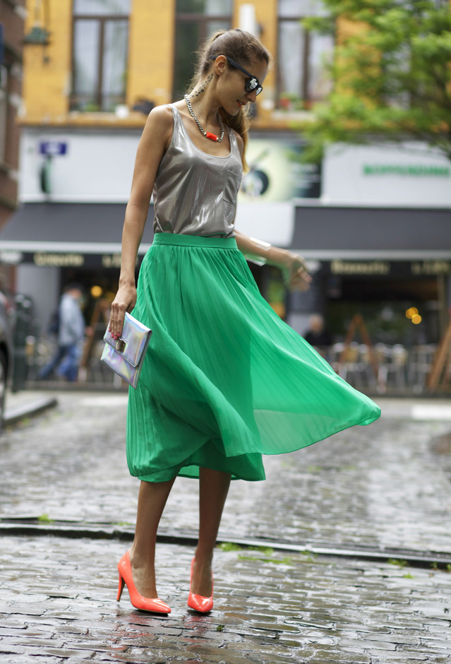 Green Midi Skirt Outfit