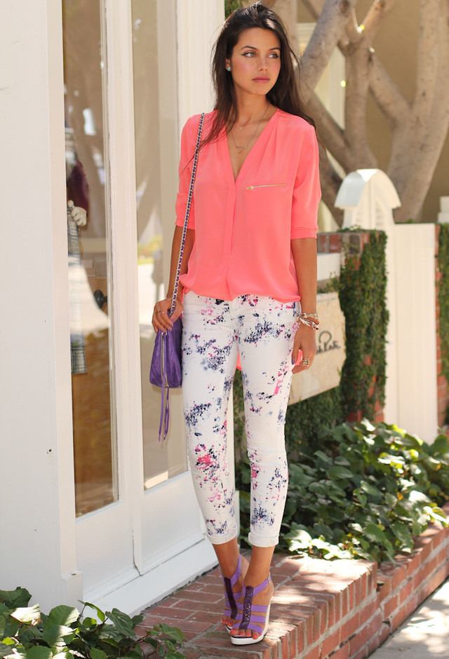How to Wear the Trendy Floral Pants