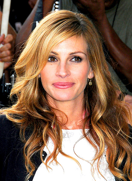 Julia Roberts' long, soft waves with swooped bangs