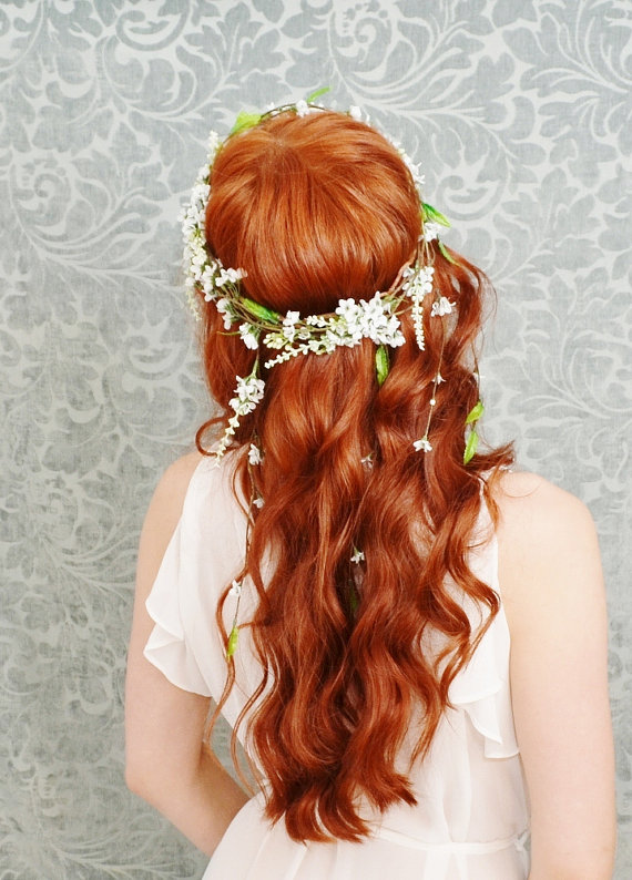 Long Wavy Floral Bride Hairstyle via