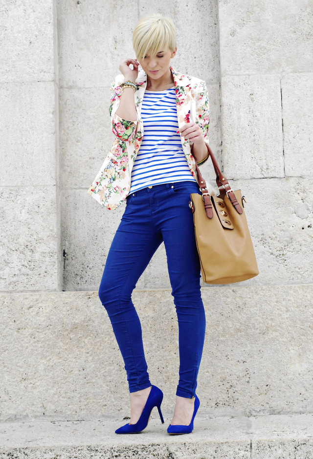 Navy Blue Outfit with Floral Blazer