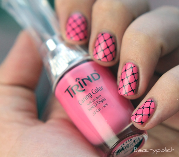 Pink Fishnet Nails