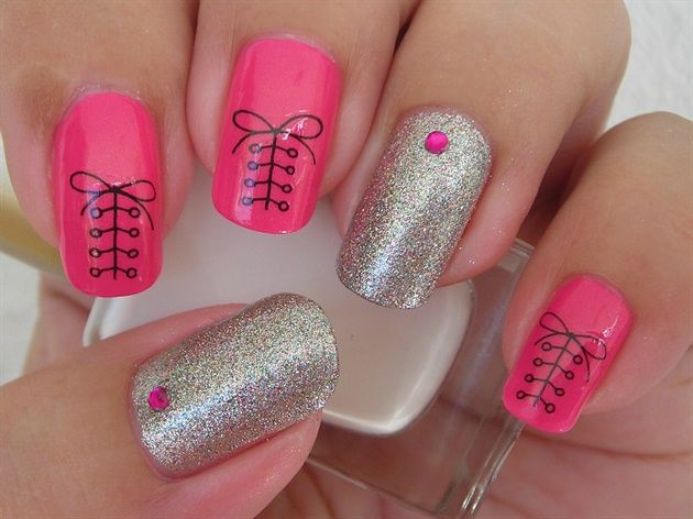 Shoelace Nails