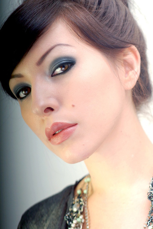 Smokey Eyes For Different Eye Colors - Makeup Artist Pro