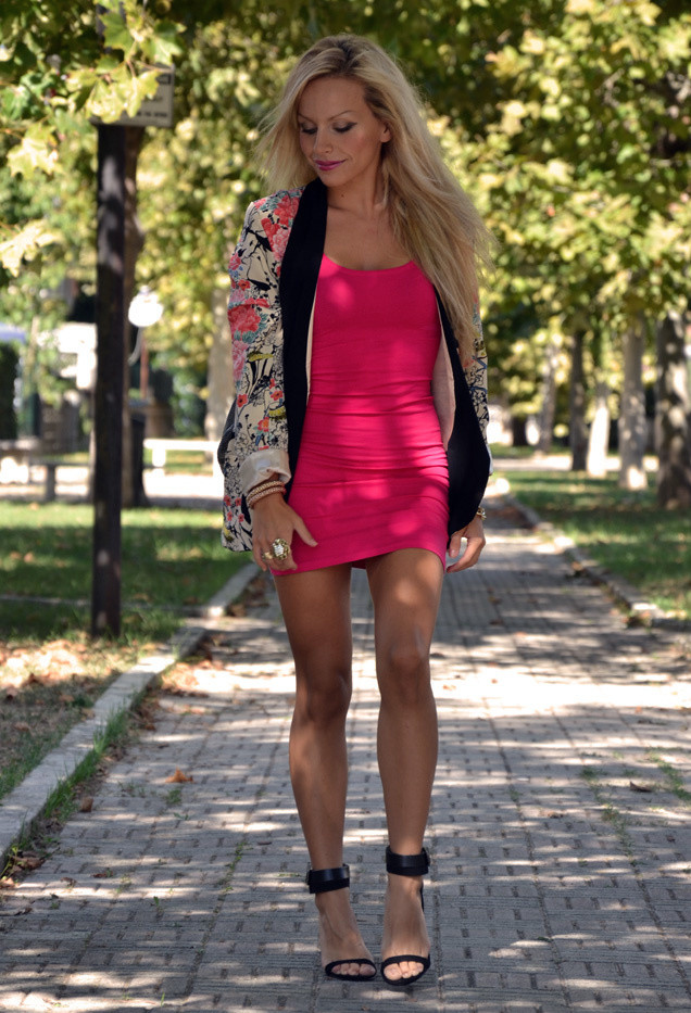 Stylish Floral Blazer Outfit