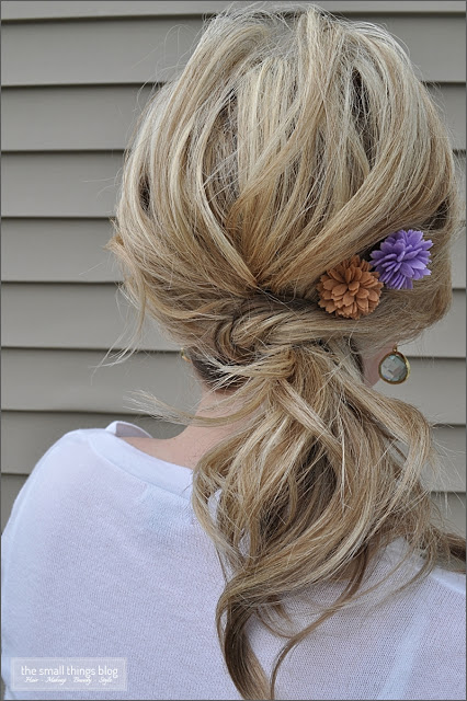 The Knot Ponytail via
