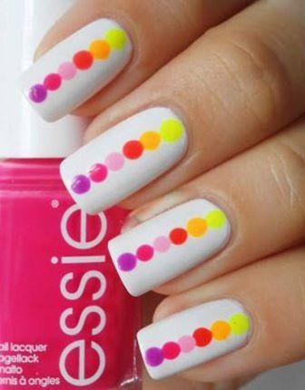 Vertical Dots Nail Art
