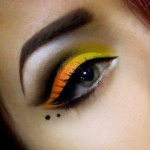 Orange Eye Makeup Ideas: Bold Black Liners