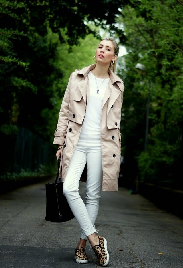Beige Trench Coat Outfit Idea with Sneakers