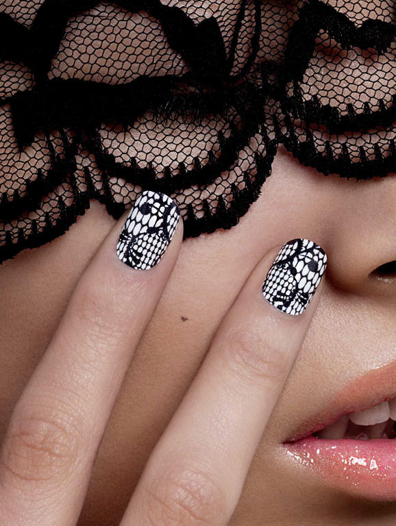 Black-and-White Lace Nail Art Idea